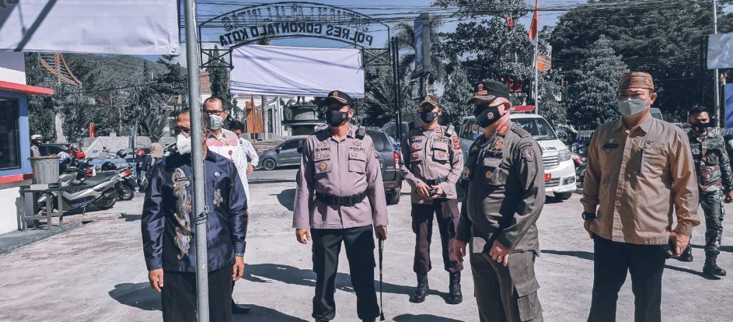 Kapolres Gorontalo Kota Tinjau Pelaksanaan Vaksinasi